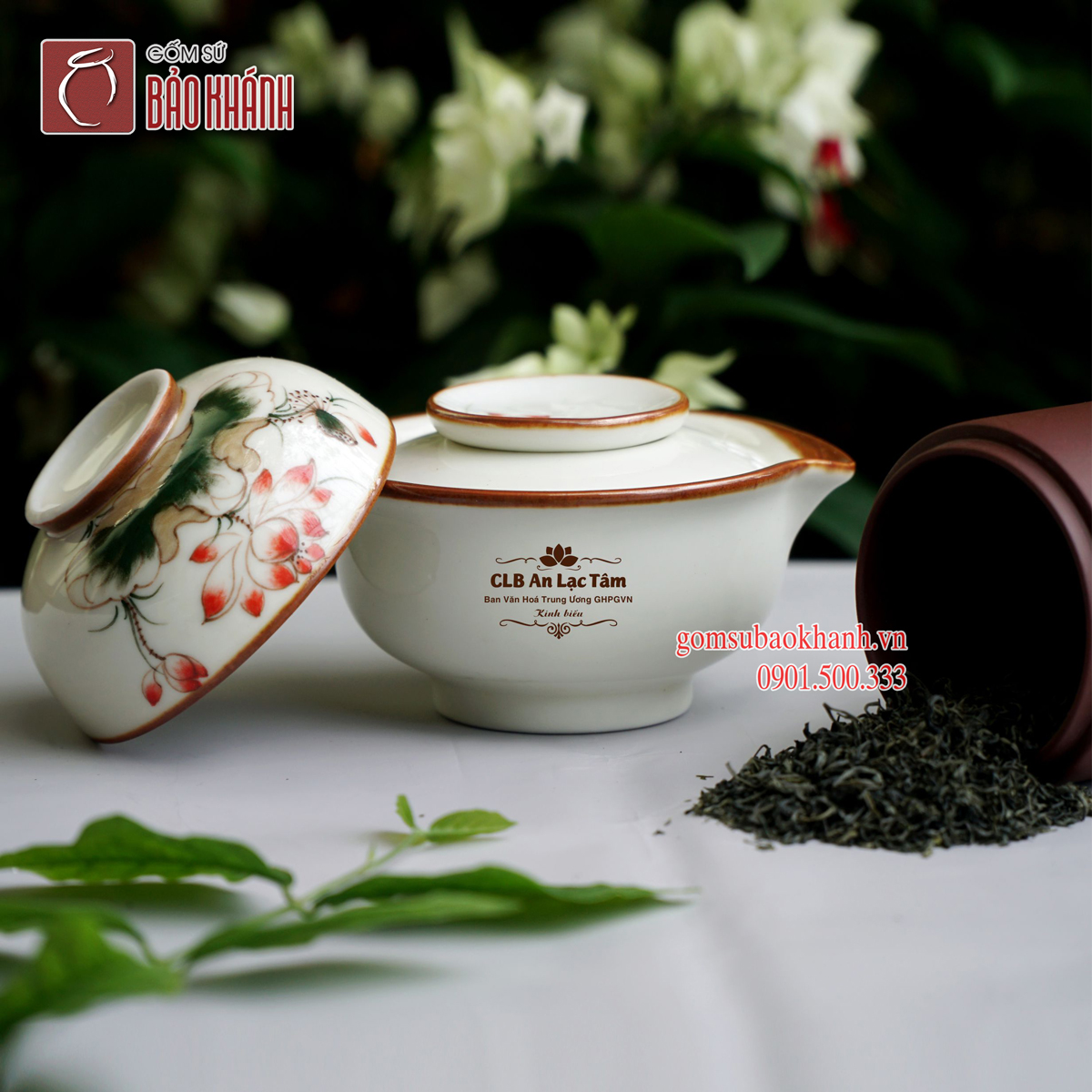Bộ trà độc ẩm men kem vẽ hoa sen in logo